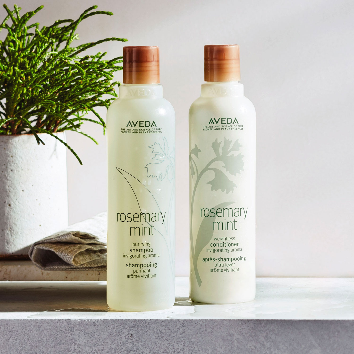 ROSEMARY MINT WEIGTHLESS CONDITIONER 250ML